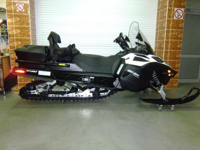 snowmobile brp tundra