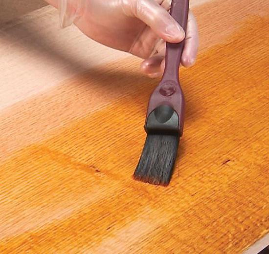 Varnish for laminate: can it be covered