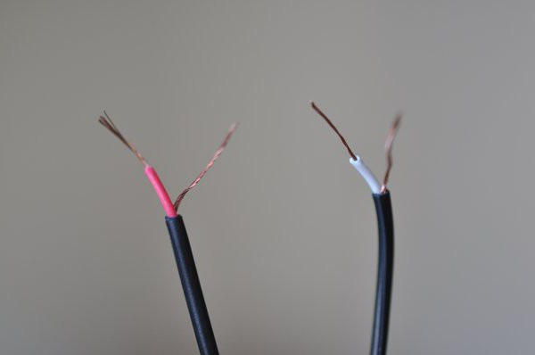 how to solder the headphone wires to the plug