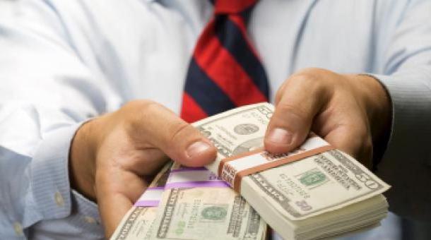 выплаты положены при увольнении по собственному желанию
