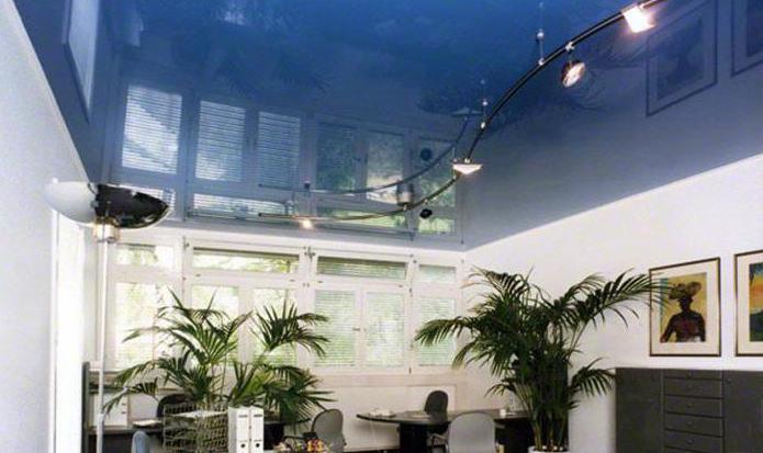 Вреден ли для здоровья натяжной потолок: мнение врачей
