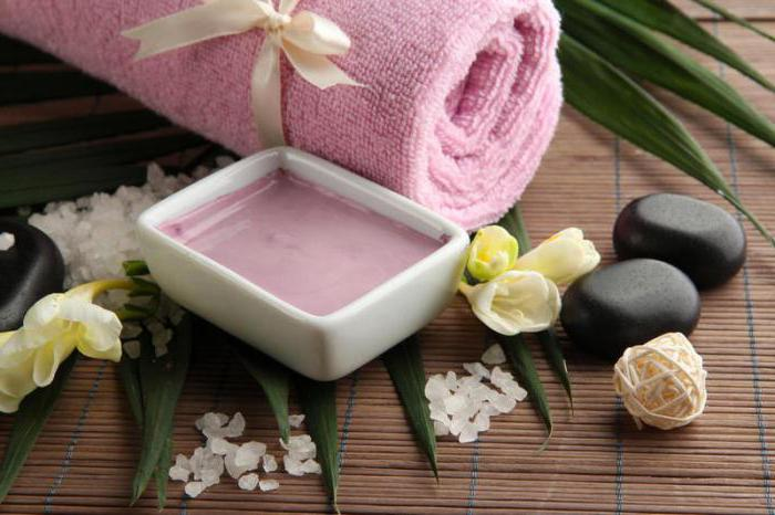 Pink clay for hair masks