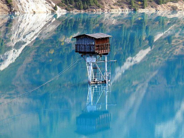 Big Almaty Lake as a bus ride