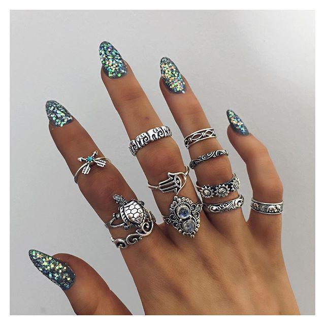 К чему снятся кольца на руках серебряные?