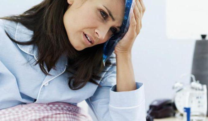 Почему болит голова после алкоголя и что делать