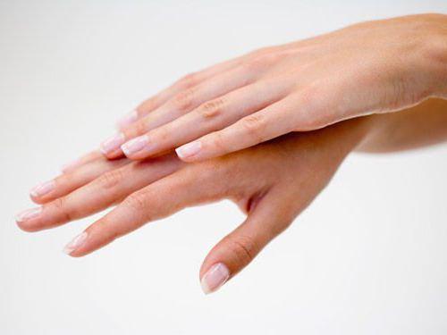 Nails on ribbed reason photo