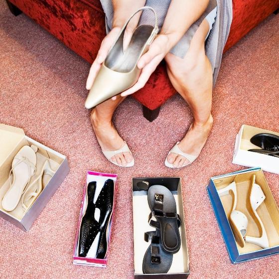 сон мерить обувь большого размера
