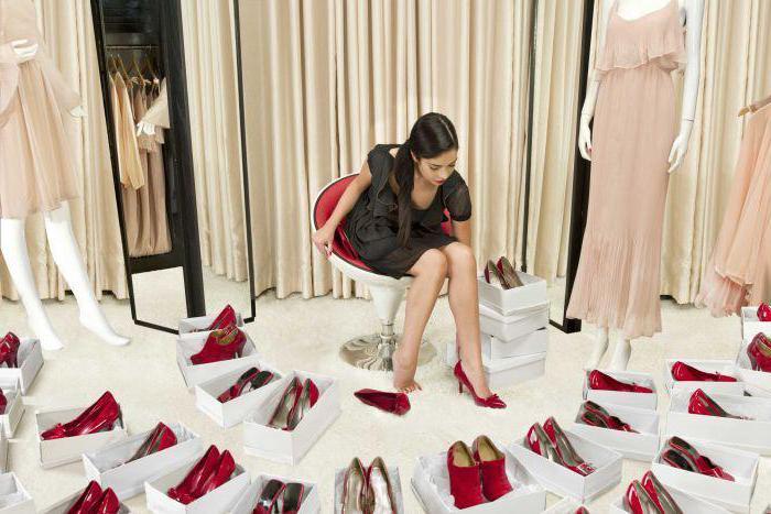 к чему снится мерить обувь
