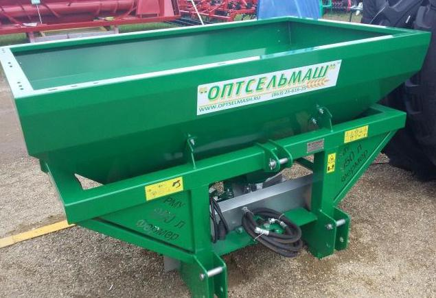 Manual fertilizer spreader