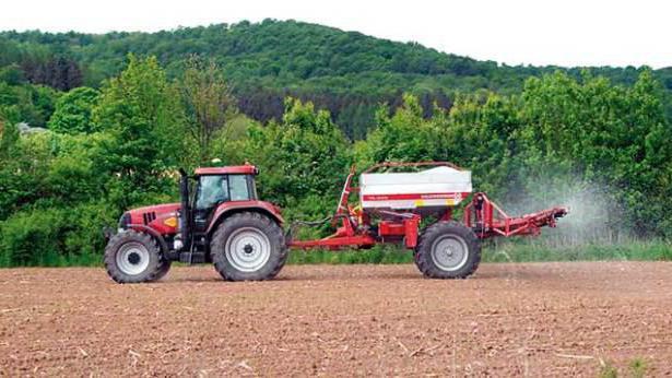 Do-it-yourself fertilizer spreader