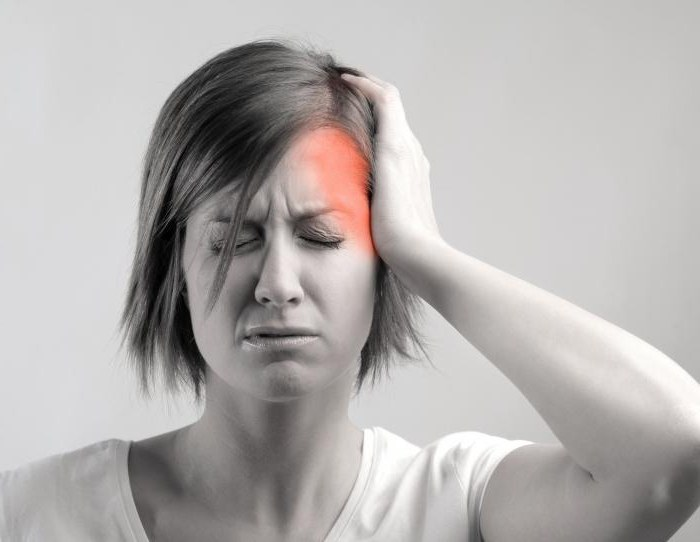 признаки мигрени у женщин
