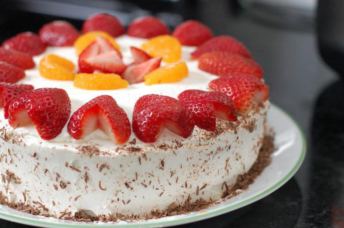 как украсить торт клубникой в домашних условиях