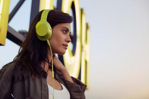 beats studio 2 full-size headphones