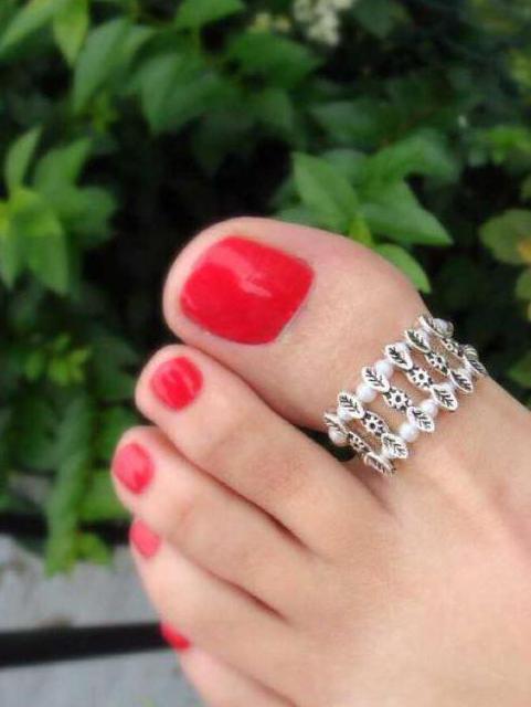 Кольцо на ногу на палец: как выбрать и как носить?