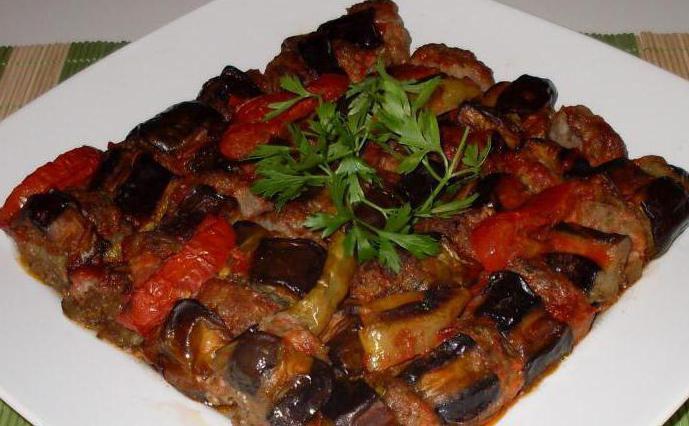 Turkish eggplants with minced meat
