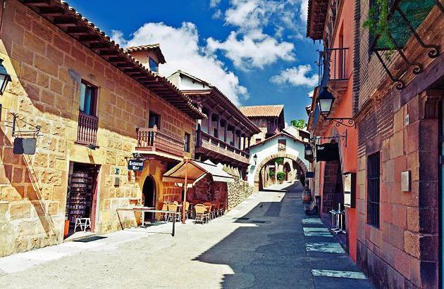 испанская деревня как добраться