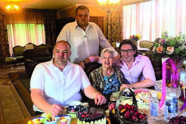 lyudmila lyadova nationality height weight parents biography