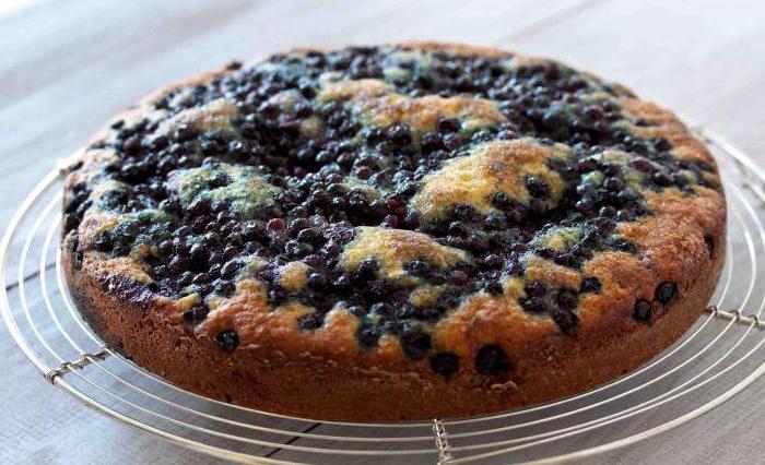 jellied pie on yogurt with berries recipe