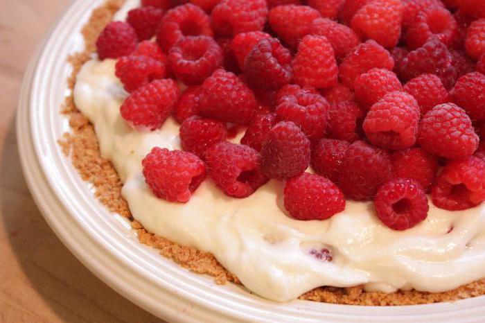 shortbread dough pie with raspberries