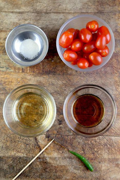 quick pickled tomatoes with garlic