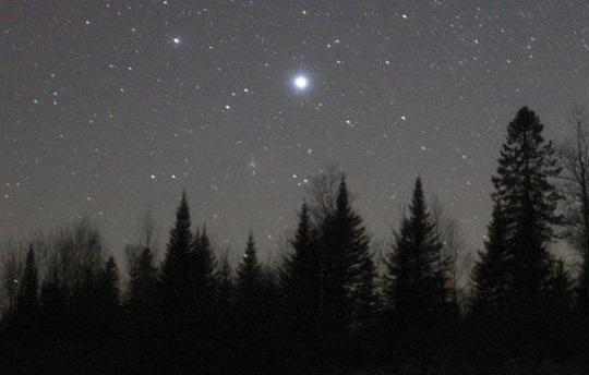 Почему некоторые звезды мерцают разными цветами