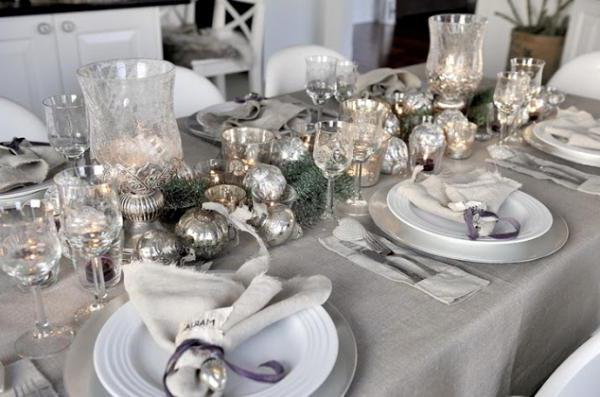 how to decorate the table