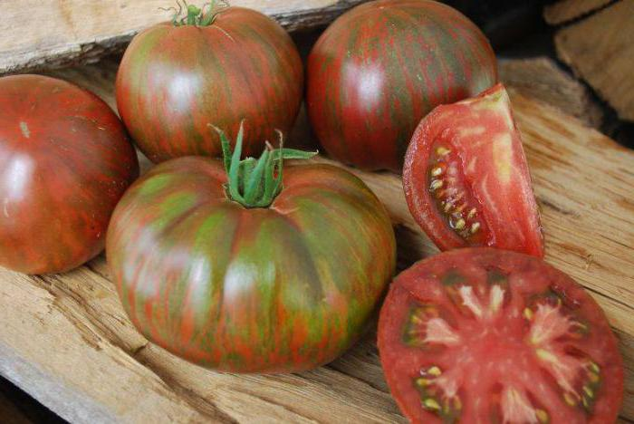 Tomatoes Hundred pounds photo