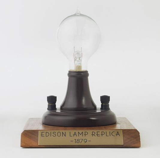 the invention of incandescent bulbs