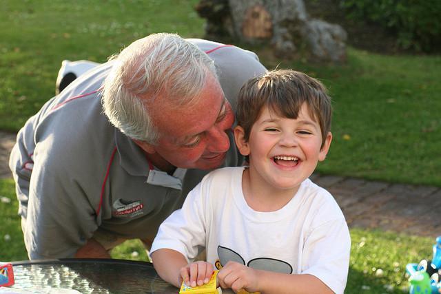 Слова поздравления с днем рождения пожилому человеку фото 924
