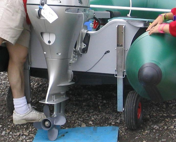 Транцевые колёса для пластиковой лодки своими руками 34