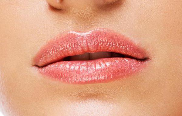 tattoo lips color