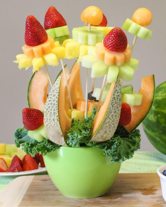 how to make a bouquet of fruit with your own hands