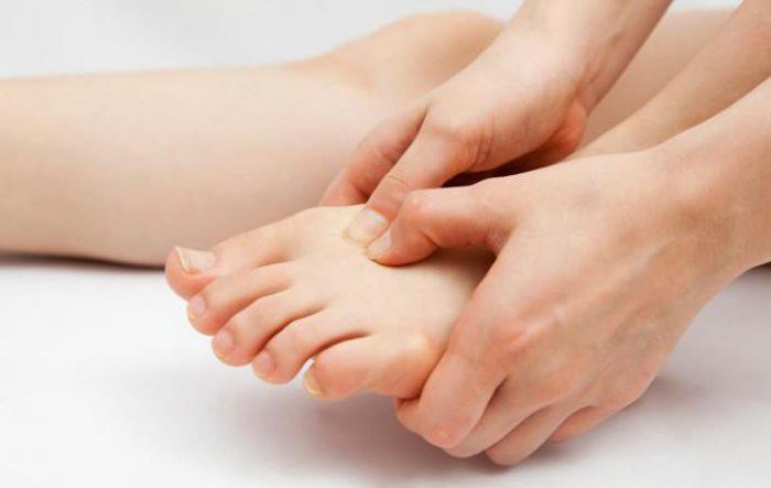 Как избавиться от грибка на ногах? Лекарственные препараты и народные средства