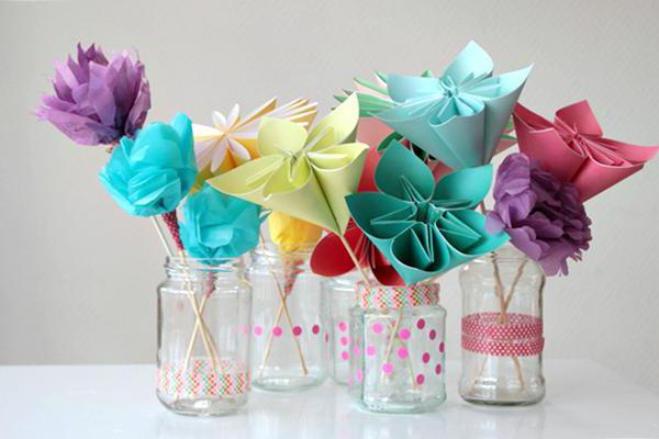 a bunch of paper flowers