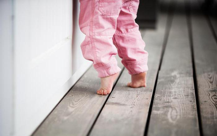 why a child of 1 year old walks on socks