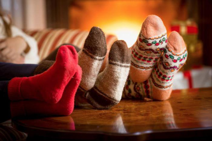 why hands and feet are cold even at home