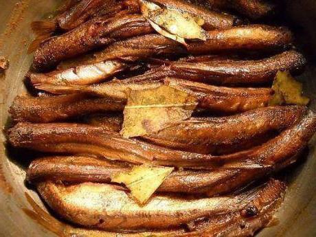 cook crayfish sprats at home