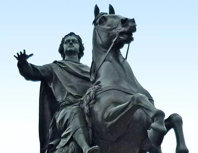 problem of the little man in the poem the Bronze Horseman