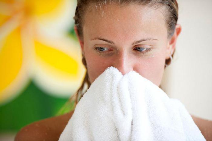 Почему при простуде нельзя купаться
