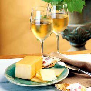 с чем пьют белое вино закуски