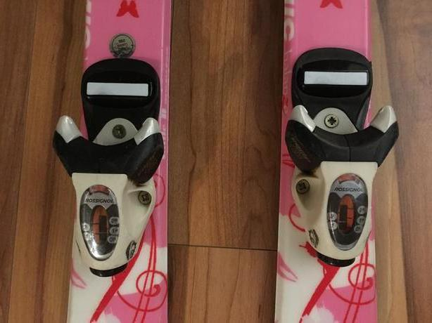 How to choose skis and sticks for a child
