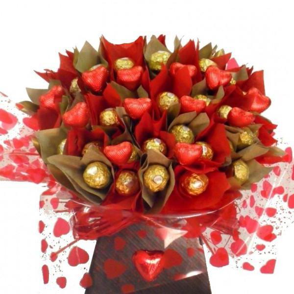к чему снится муж дарит цветы