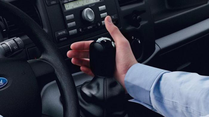 Как управлять роботом в авто