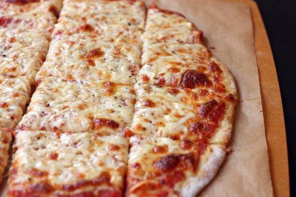 Сырная пицца в домашних условиях