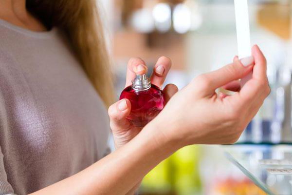 what dreams of female perfume