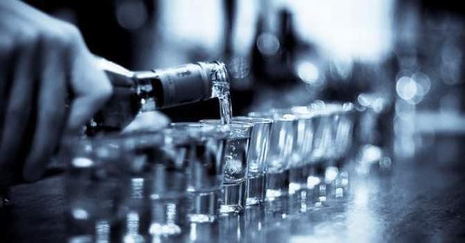 водка повышает или понижает давление у человека