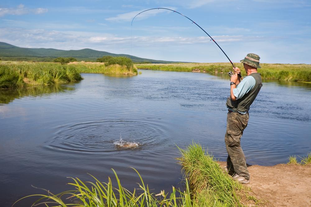 фото как надо рыбачить это