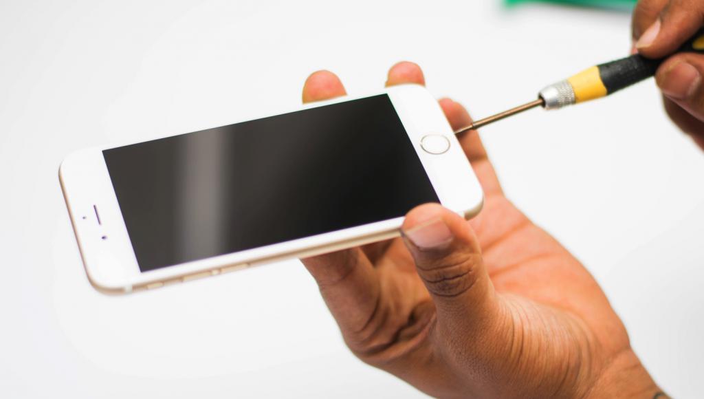 Замена тачскрина iPhone