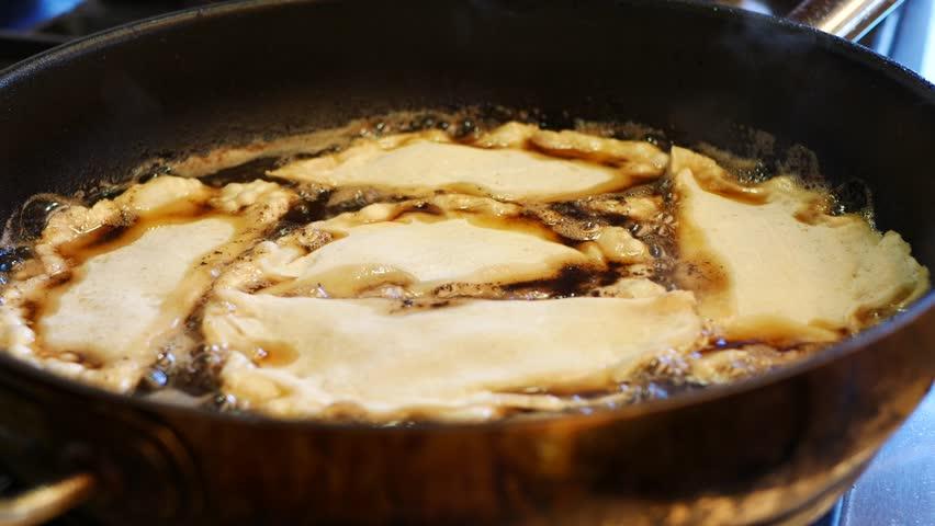 Frying chebureks