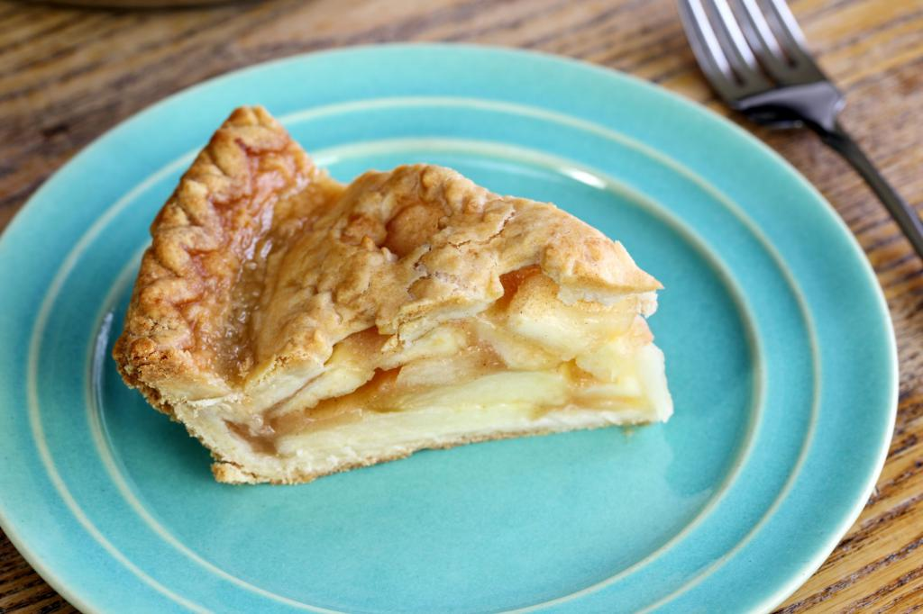 Charlotte with apples recipe
